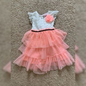 NEVER WORN. Beautiful girls formal summer dress!